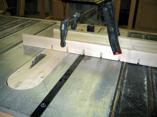 Table saw setup for cutting 1/4 dados in horizontal slats